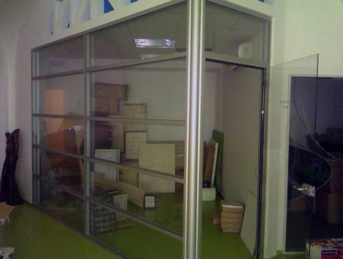 Перегородки в офис из стекла и алюмия