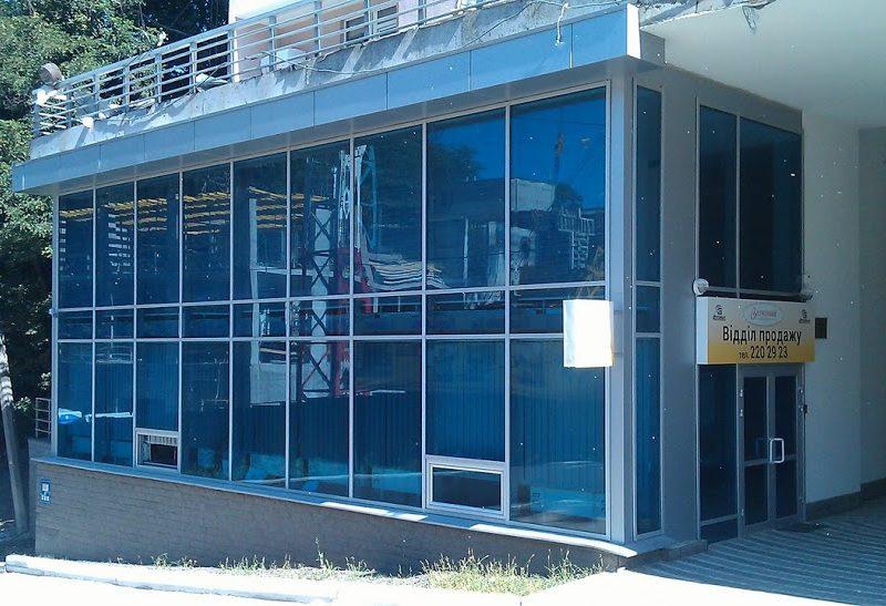 Рстекление фасадов, витрины киев, тонированые стеклопакеты