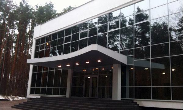 Стеклянный фасад, светопрозрачные конструкции, входная группа