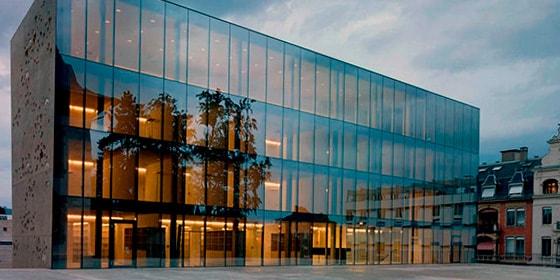 Стекляные фасады, крашеные фасады, фасады из стекла