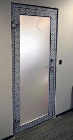 Алюминиевые холодные двери Alutech c48