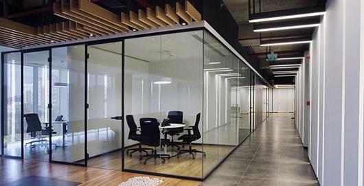 Стеклянные офисные перегородки, перегородки для офиса, офисные перегородки