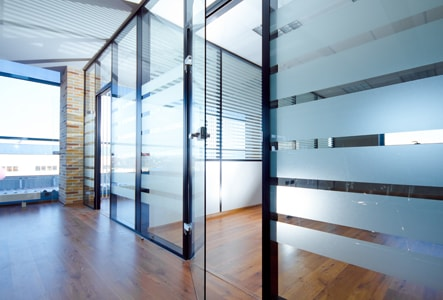 стеклянные перегородки, стеклянные перегородки раздвижные, раздвижные стеклянные перегородки