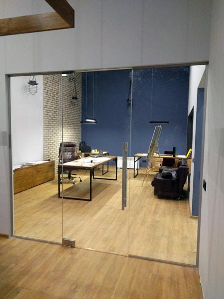 стеклянные перегородки, Цельностеклянные перегородки для офиса