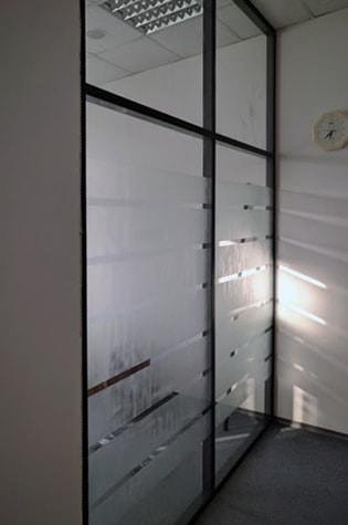 Стеклянные перегородки, перегородки из стекла