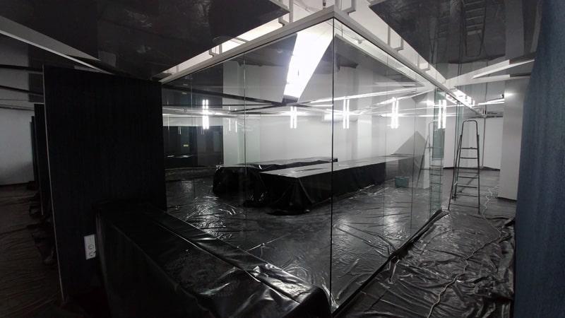 РЕмонт перегородок, переделка перегородок из стекла